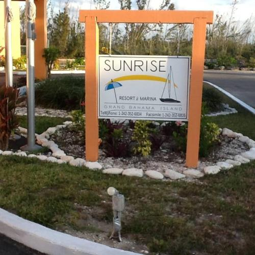 Sunrise Resort And Marina