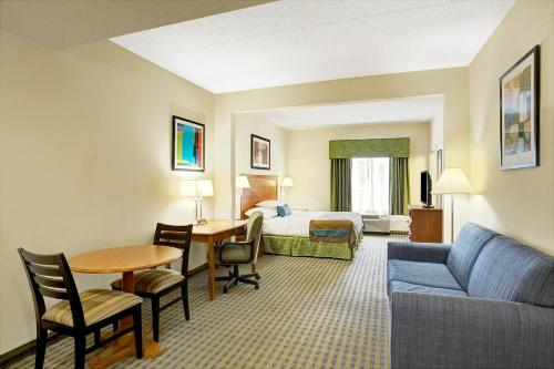 Wingate by Wyndham Atlanta Airport South Photo
