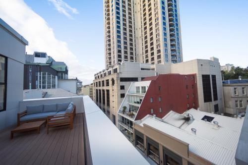 Hotel Downtown Penthouse Apartment With City Views thumb-2