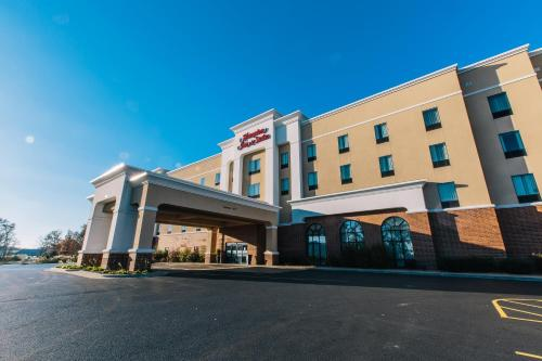 Hampton Inn & Suites Effingham Photo