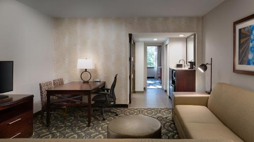 Embassy Suites by Hilton Dallas-Love Field photo 11