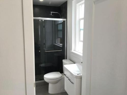 Hotel 3br: Spacious, New Modern Design, Fully Wired (f3) thumb-4