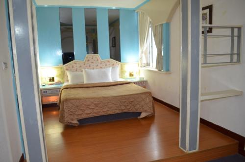 Hua Ku Hotel Prices, photos, reviews, address. Taiwan Zilian Home Design Html on