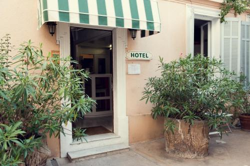 - Hotel Chanteclair - Hotel Cannes, France