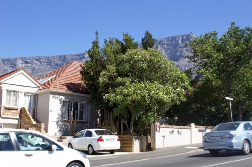 The Lions Guest House Photo