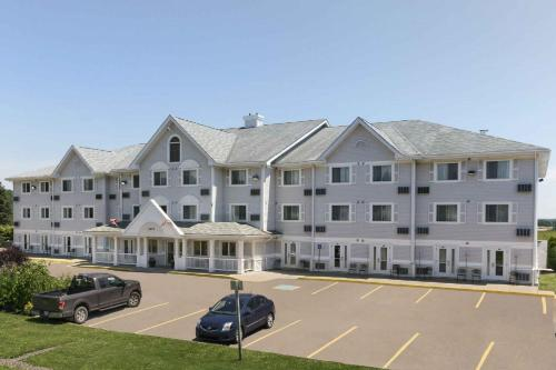 Travelodge Suites Moncton Photo
