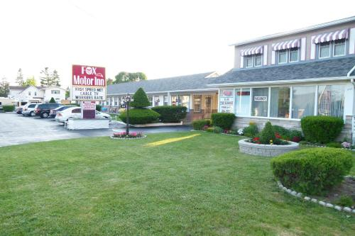 Fox Motor Inn Photo