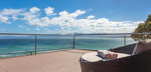 Whale Huys Luxury Ocean Holiday Villa Photo