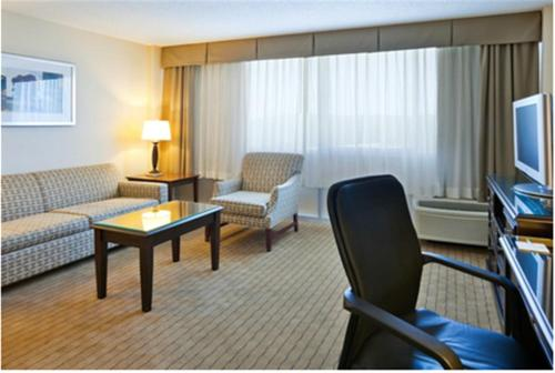 Holiday Inn Birmingham-Airport Photo