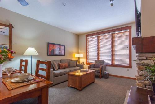 Village # 3210- Lincoln House - Mammoth Lakes, CA 93546
