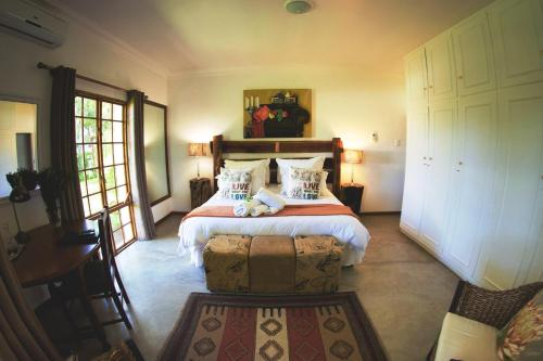 African Vineyard Guesthouse Photo