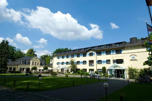 Parkhotel Schloss Hohenfeld