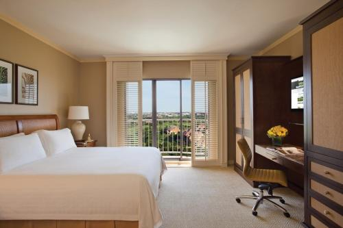 Four Seasons Resort and Club Dallas at Las Colinas Photo