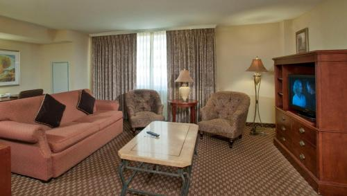 Arlington Court Suites Hotel Photo