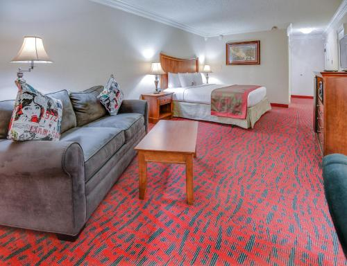 Ramada Metairie New Orleans Airport Photo