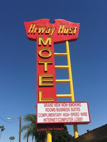 Hi-Way Host Motel - Pasadena, CA 91107