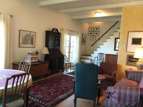A Cabin Setting in the City - San Francisco, CA 94110