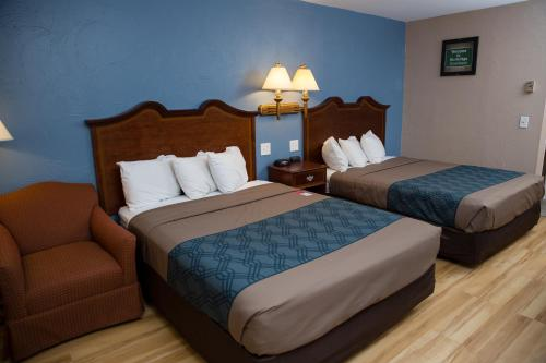 Econo Lodge Sturbridge Photo