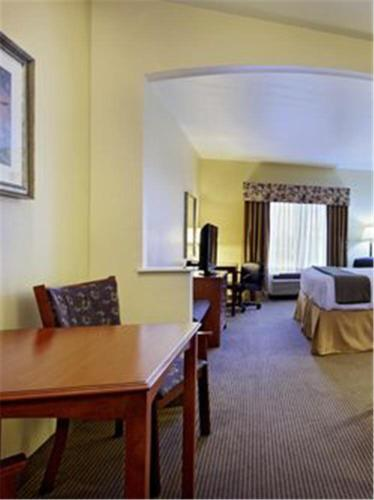 Holiday Inn Express Hotel & Suites Burleson - Fort Worth Photo