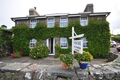 Fron Deg Guest House in Harlech from £45