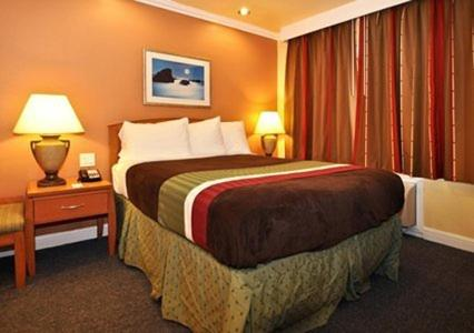 Rodeway Inn & Suites Near The Coliseum & Arena - Oakland, CA 94601
