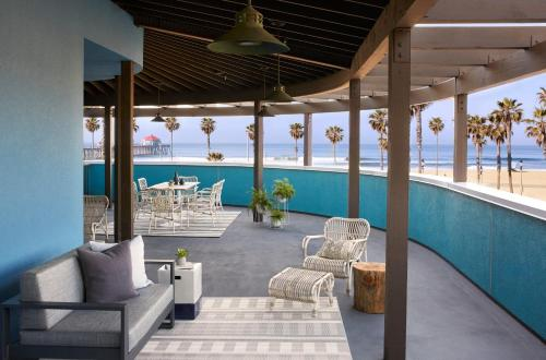Kimpton Shorebreak Hotel Photo