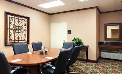 Homewood Suites by Hilton Decatur-Forsyth Photo