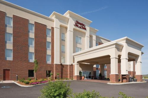 Hampton Inn and Suites Parkersburg Downtown Photo