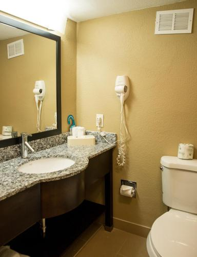 Best Western Palm Beach Lakes Inn Photo