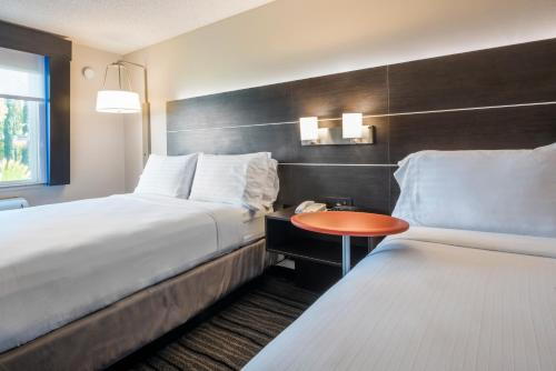 Holiday Inn Express Hotel & Suites Livermore Photo