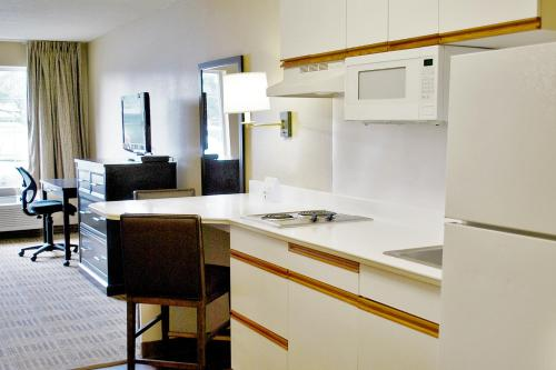 Extended Stay America San Jose-Downtown - San Jose, CA 95112