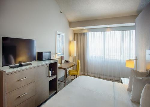 DoubleTree by Hilton Denver - North Photo