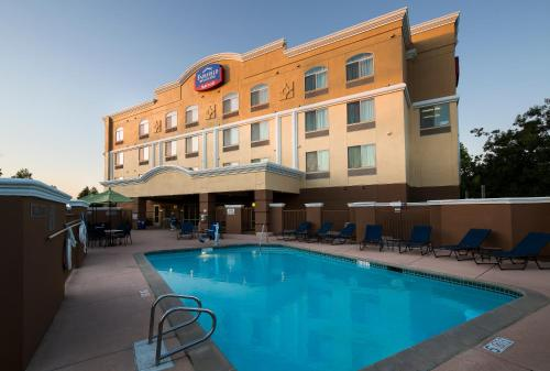 Fairfield Inn & Suites Rancho Cordova Photo