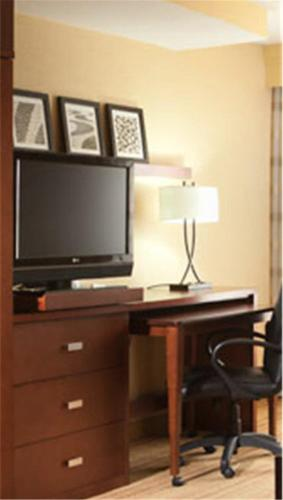 Courtyard by Marriott Denton Photo