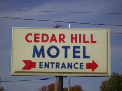 Cedar Hill Motel Photo
