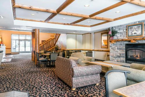 Rodeway Inn & Suites Tomahawk Photo