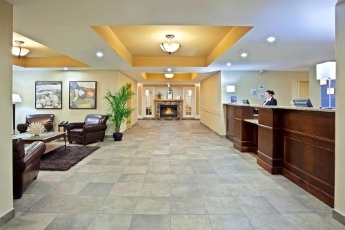 Holiday Inn Express Hotel & Suites Courtenay Comox Valley SW Photo