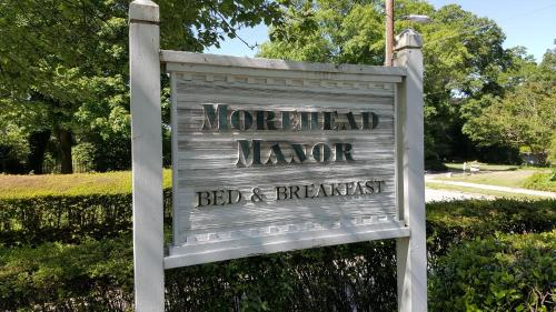Morehead Manor Bed and Breakfast Photo