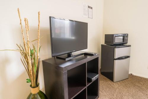 Midvale Apartment 325A - Los Angeles, CA 90024