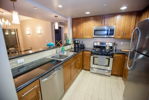 Hollywood 2 Bedroom Apartment 1.4 - Los Angeles, CA 90038