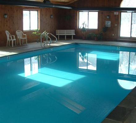 Winterplace on okemo mountain in ludlow vt indoor pool for Ludlow hotels with swimming pool