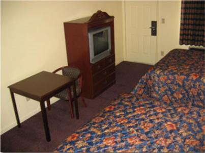 Executive Inn and Suites San Marcos Photo