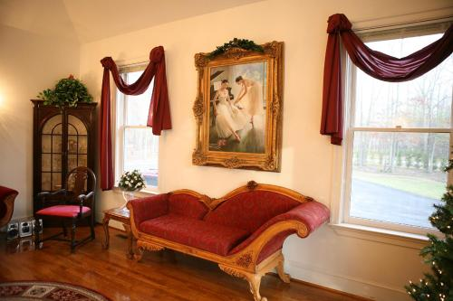 Rosewood Manor Bed & Breakfast Photo