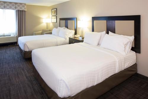 Holiday Inn Express Hotel & Suites-Saint Joseph Photo
