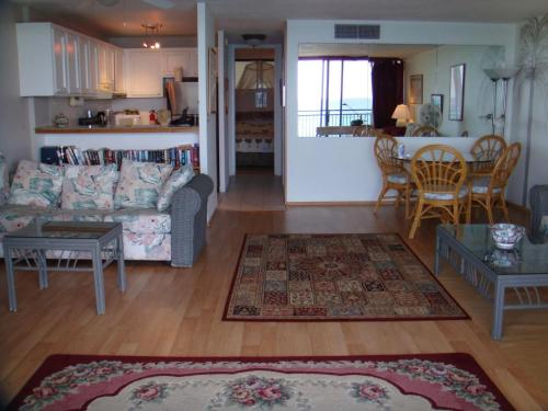 Oceanfront Condo in the Heart of Kona Village Photo