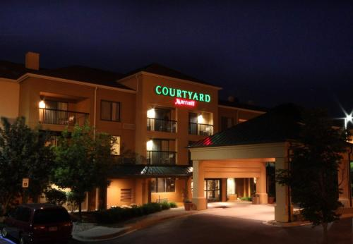Courtyard By Marriott Flint Grand Blanc