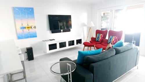 603 On The Beach - Luxury Apartment Cairns