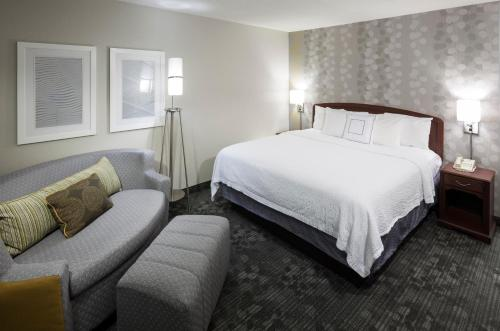 Courtyard by Marriott Wichita East Photo