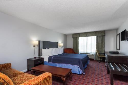 Travelodge Orlando Near Florida Mall Photo