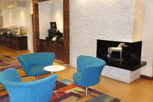 Fairfield Inn & Suites Dallas Park Central photo 17